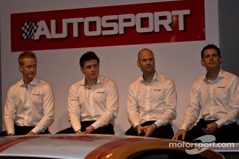 Mclaren Gt Driver dari Left: Ross Wylie, Andrew Watson Rob Bell, dan Andrew Kirkaldy