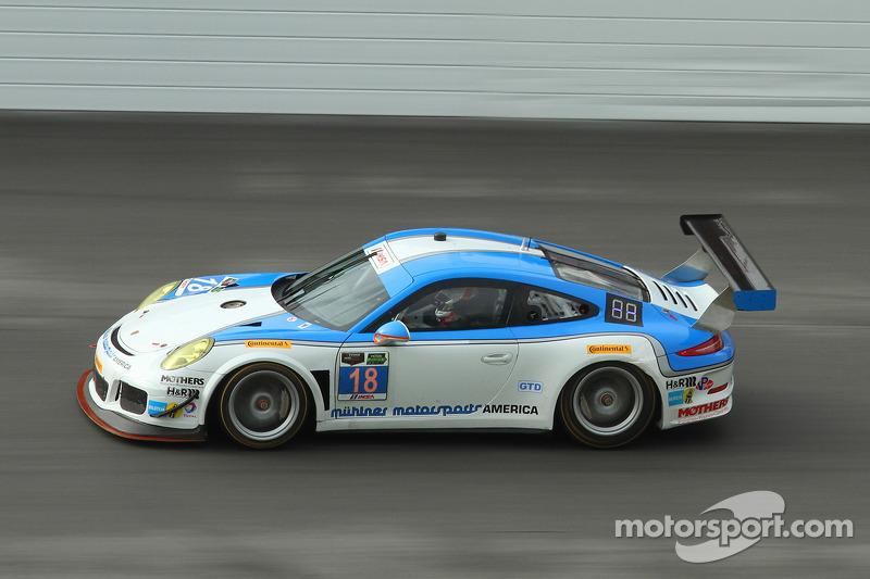 #18 Muehlner Motorsports America, Porsche 911 GT America: Jim Michaelian, Marc Basseng, Matteo Beretta, Darryl O'Young, Connor de Phillippi