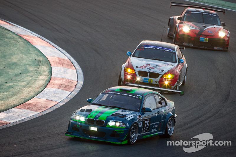 #75 Hofor-Kuepperracing BMW E46 M3 Coupe: Bernd Küpper, Martin Kroll, Chantal Kroll, Sarah Toniutti,