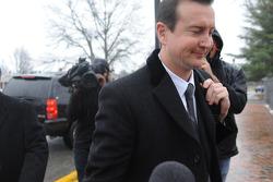 Kurt Busch llega a la corte del Condado de Kent para la audiencia sobre los autogos de maltrato por parte de su ex novia, Patricia Driscoll
