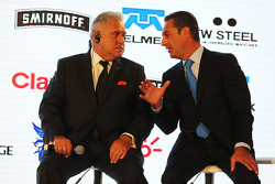 (Kiri ke Kanan): Dr. Vijay Mallya, Pemilik Sahara Force India F1 Team dengan Carlos Slim, Chairman of America Movil