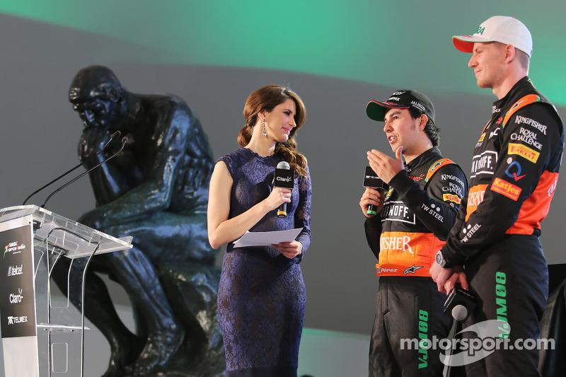 (da sinistra a destra): Sergio Perez, Sahara Force India F1 con il compagno di squadra Nico Hulkenberg, Sahara Force India F1
