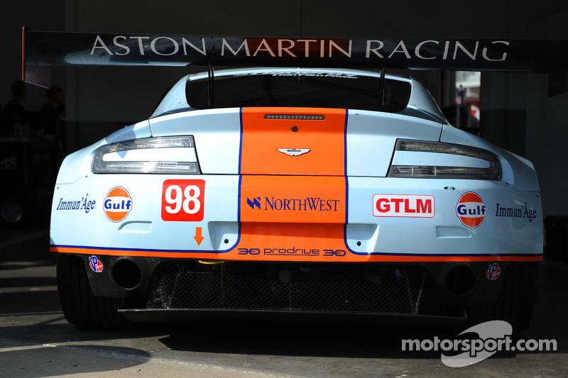 #98 Aston Martin Racing, Vantage: Pedro Lamy, Darren Turner, Mathias Lauda, Paul Dalla Lana, Stefan