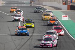 设置圈:第110届汽车运动-雷诺科雷傲IV杯: Benoit Carreras, Franck Traynard, Jérôme Thiery, Antoine Boulay