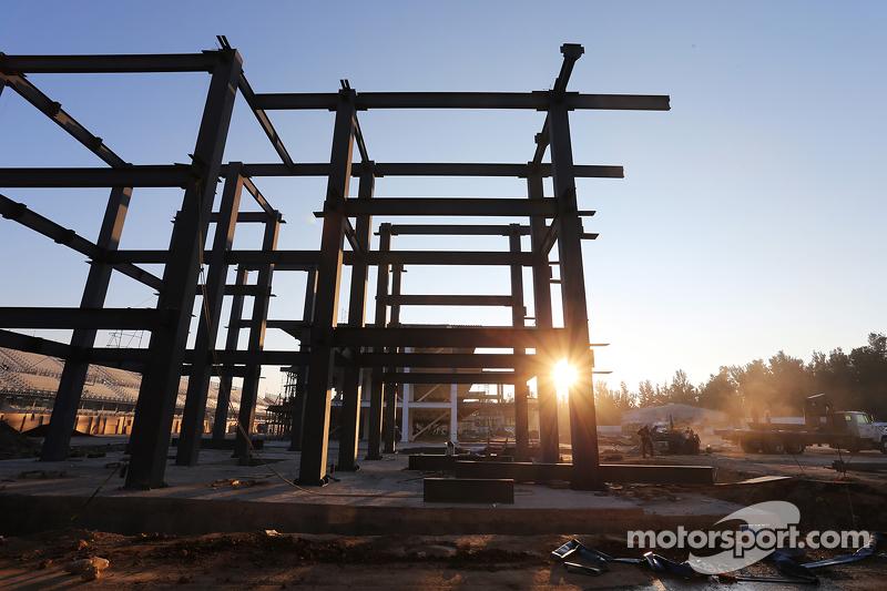 Pit Building construction