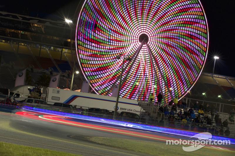 Ferris Wheel bei Nacht