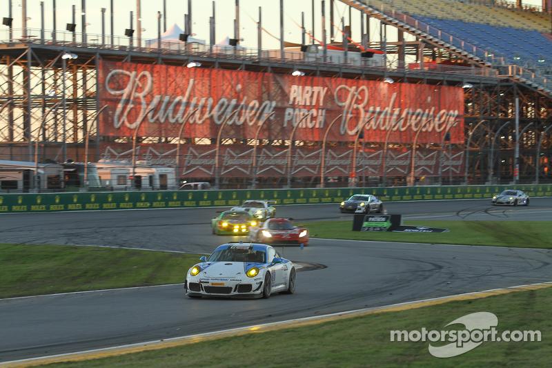 #19 Muehlner Motorsports America, Porsche 911 GT America: Jim Michaelian, Matteo Beretta, Connor de Phillippi, Ricardo Flores