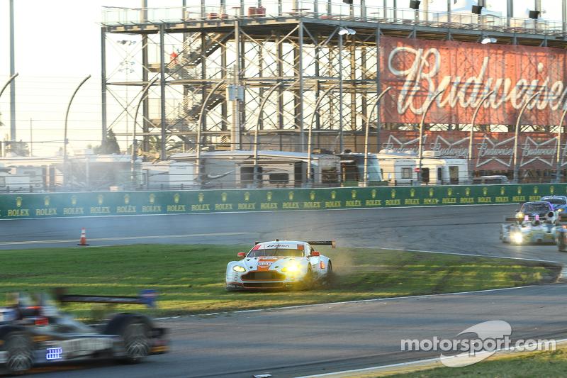 #98 Aston Martin Racing Vantage: Pedro Lamy, Darren Turner, Mathias Lauda, Paul Dalla Lana, Stefan M