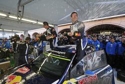 Vincitori Sébastien Ogier and Julien Ingrassia, Volkswagen Polo WRC, Volkswagen Motorsport