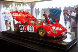 Amazing 1:8 scale Amalgam model of Ferrari 512S