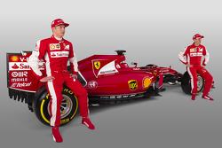 Kimi Raikkonen, Sebastian Vettel con la Ferrari SF15-T