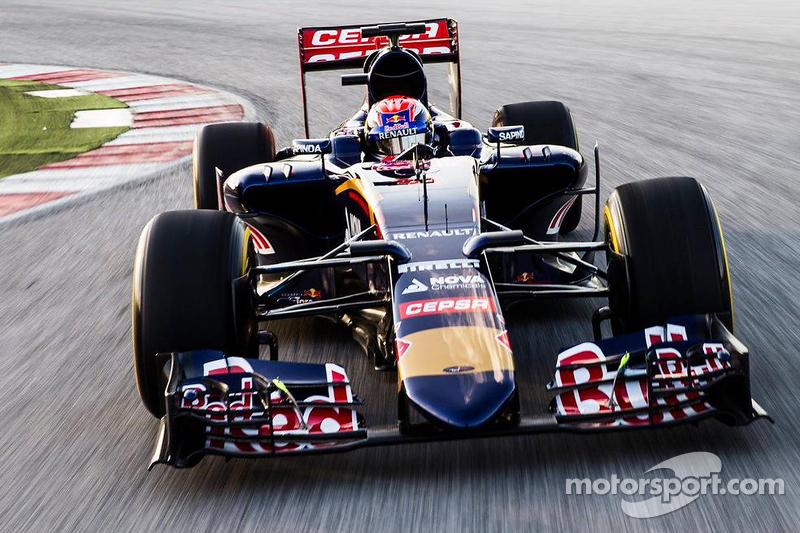 Max Verstappen fährt den Toro Rosso STR10