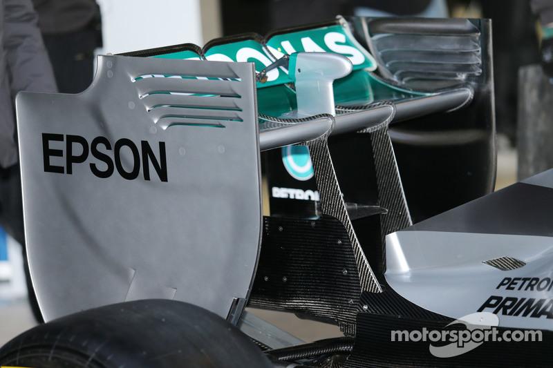 Mercedes AMG F1 W06, Heckflügel