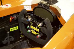 Diverse Fahrzeuge von 8Star Motorsports im Workshop des Teams