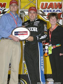 Drivers presentation: Ryan Newman receives the Bud Pole Award
