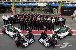 Minardi Formula 1 photoshoot: family picture for Zsolt Baumgartner, Gianmaria Bruni, Bas Leinders, Paul Stoddart and Minardi team members
