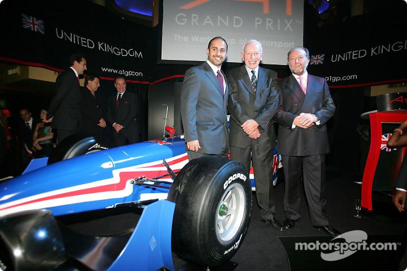Sheikh Maktoum Hasher Maktoum Al Maktoum (UAE) CEO and President of A1 Grand Prix, John Surtees (GBR