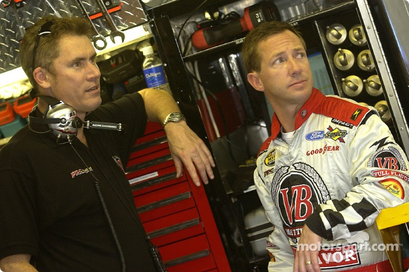 John Andretti with crew chief Dave Charpentier