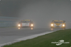 La BMW Doran n°81 G&W Motorsports : Cort Wagner, Brent Martini, Kelly Collins, et la Pontiac Crawford n°39 Silverstone Racing Services : Chris Hall, Larry Huang, Andrew Davis