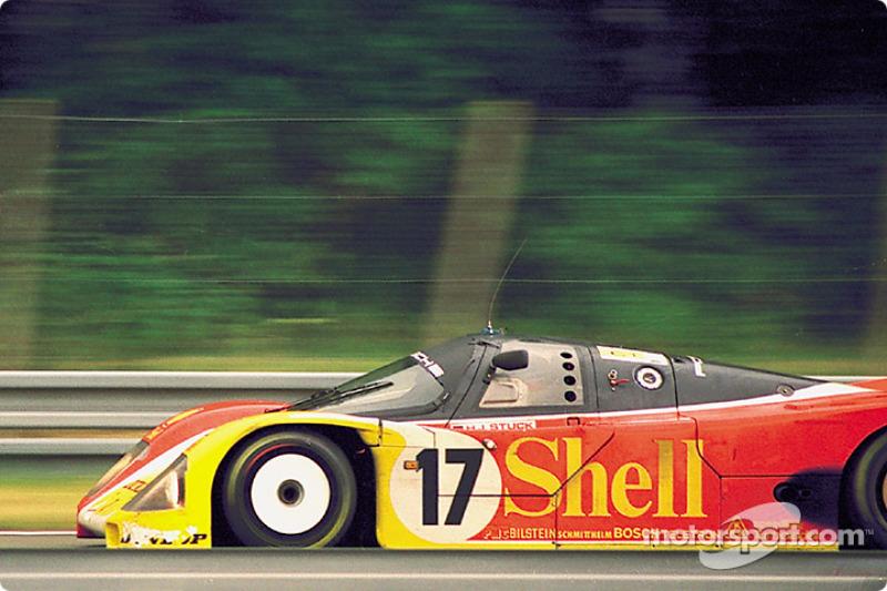 #17 Porsche AG Porsche 962C: Hans-Joachim Stuck, Klaus Ludwig, Derek Bell