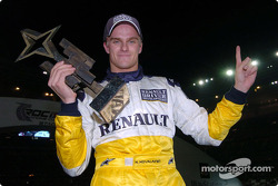 Le vainqueur de la Race of Champions 2004 Heikki Kovalainen
