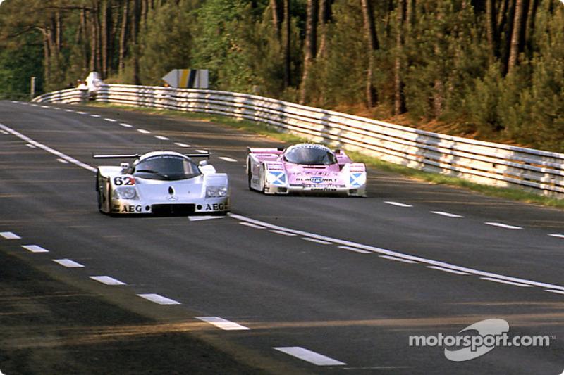 #62 Team Sauber Mercedes Sauber-Mercedes C9: Jean-Louis Schlesser, Jean-Pierre Jabouille, Alain Cudini, #7 Joest Racing Porsche 962C: Frank Jelinski, Pierre-Henri Raphanel, John Winter