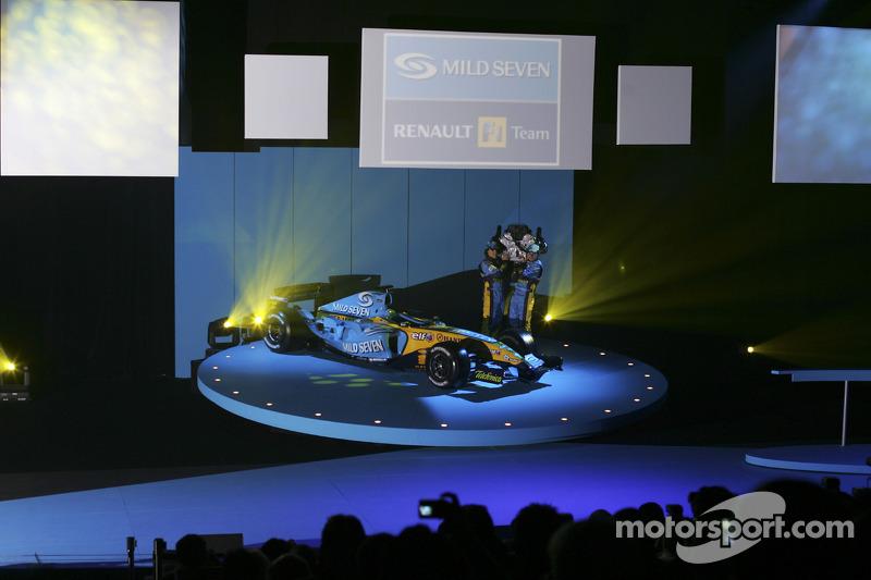 Фернандо Алонсо, Джанкарло Фізікелла та новий Renault R25
