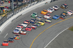 Jeff Gordon takes the lead