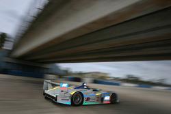 L'Audi R8 n°2 Champion Racing  : Johnny Herbert, Pierre Kaffer