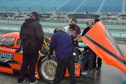 Spirit of Daytona Racing crew members