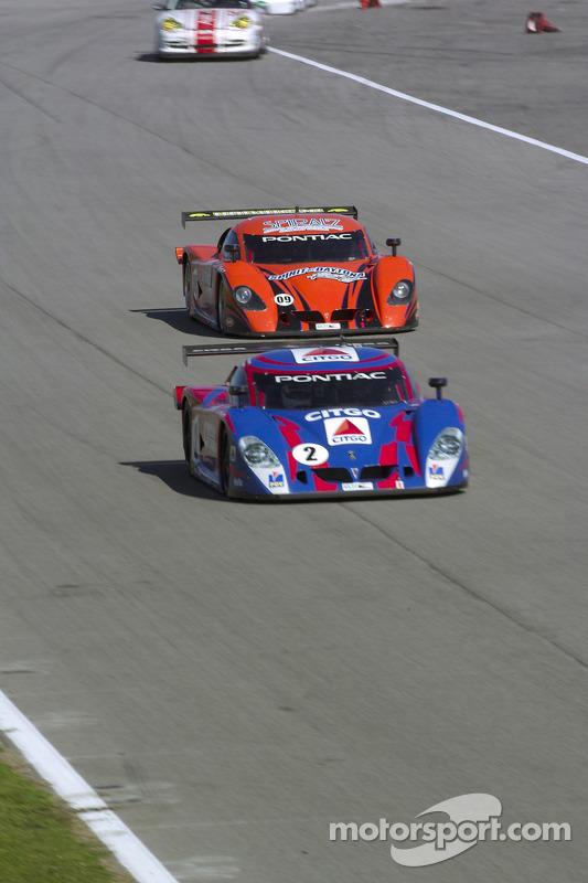 La CITGO - Howard - Boss Motorsports Pontiac Crawford N°2( Andy Wallace, Milka Duno) et la Pontiac Crawford N°09 (Doug Goad, Stephan Gregoire)