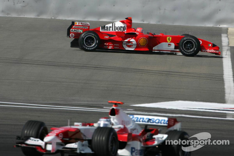 Michael Schumacher has hydraulic problems on his Ferrari