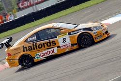 #8 Team Halfords Honda Integra of Dan Eaves