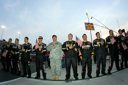 General Richard Cody, Vice Chief of Staff lines up with the #01 U.S.Army Chevrolet Team of Joe Nemechek