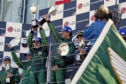 Victory for the Aston Martin team: Darren Turner, David Brabham, Pedro Lamy and Peter Kox