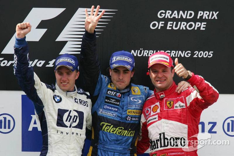 Podio: el ganador del GP de Europa 2005, Fernando Alonso, coh Nick Heidfeld y Rubens Barrichello