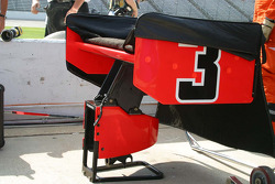 Extra parts are ready for Helio Castroneves