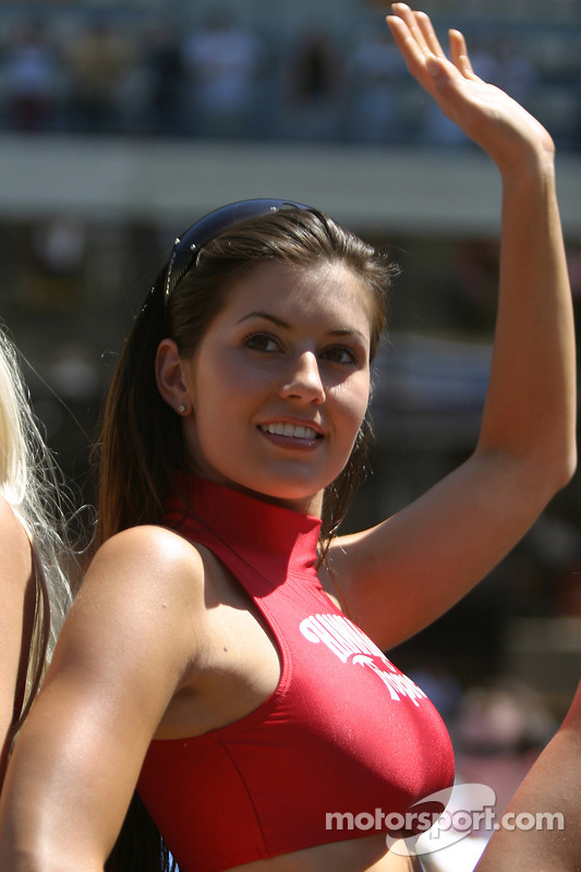 A Hawaiian Tropic Girl At 24 Hours Of Le Mans-4060