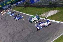 Start: #15 Zytek Motorsport Zytek 04S: Hayanari Shimoda, Tom Chilton leads the field