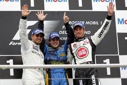 Podio: ganador de la carrera Fernando Alonso, segundo lugar Juan Pablo Montoya y el tercer lugar Jen