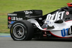 Tire puncture for Robert Doornbos