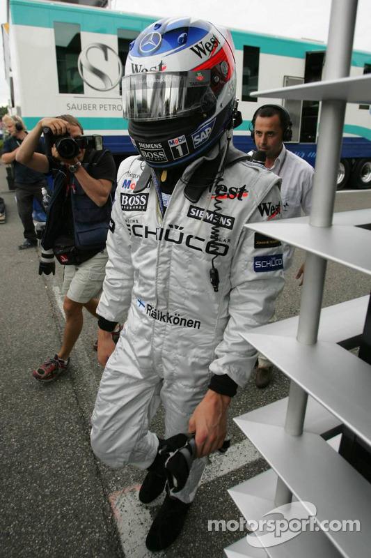 Kimi Raikkonen tras su retiro de la carrera