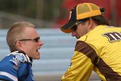 Mark Martin et Elliott Sadler