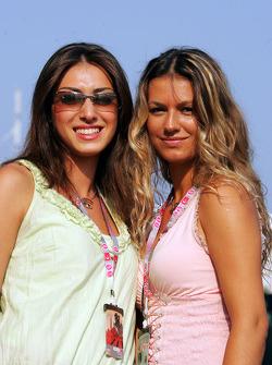 Charming Formula Unas girls