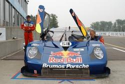 #58 Red Bull/ Brumos Racing Porsche Fabcar: David Donohue, Darren Law, Lucas Luhr