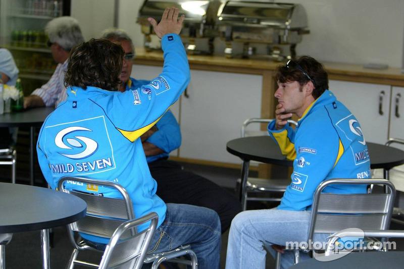 Flavio Briatore mit Fernando Alonso und Giancarlo Fisichella
