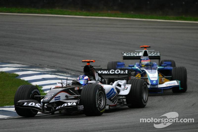 Alguns nomes lendários ainda estavam no grid. Um era a Minardi, que fazia sua temporada de despedida.