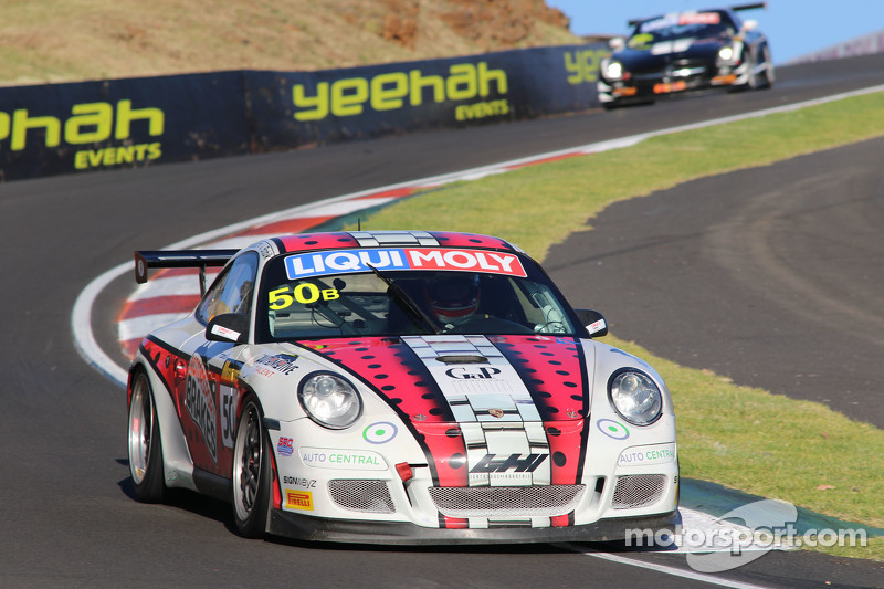 #50 Team LHI Porsche 997 GT3 Cup: Nick Cresswell, Terry Knight, John Goodacre, Jeff Bobik