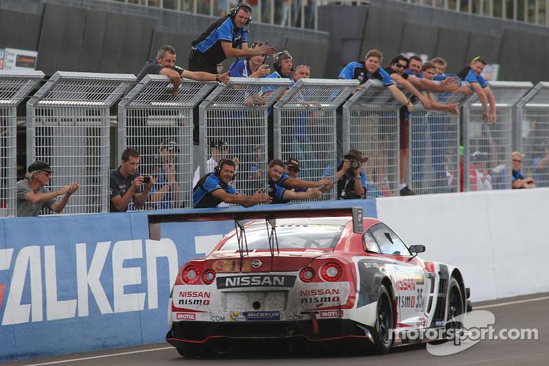 #35 NISMO Athlete Global Team Nissan GT-R NISMO GT3: Florian Strauss, Katsumasa Chiyo, Wolfgang Reip takes the win