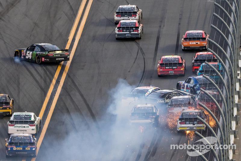 Kyle Busch, Joe Gibbs Racing Toyota veers off towards inside wall